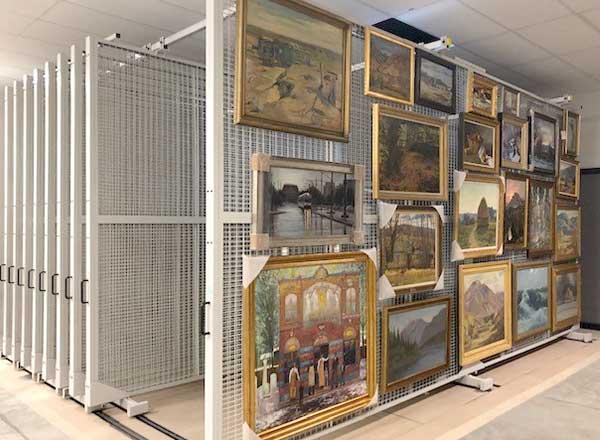 heavy-duty-mobile-art-racks
